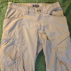 Arc'teryx 32x30 tan lightweight climbing hiking GC